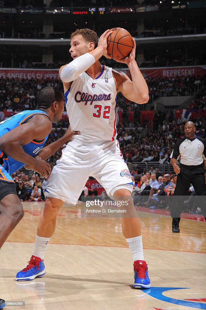 Blake Griffin #32 of the Los Angeles Clippers handles the ball against the Oklahoma City Thunder at Staples Center on January 22, 2013 in Los Angeles, California.