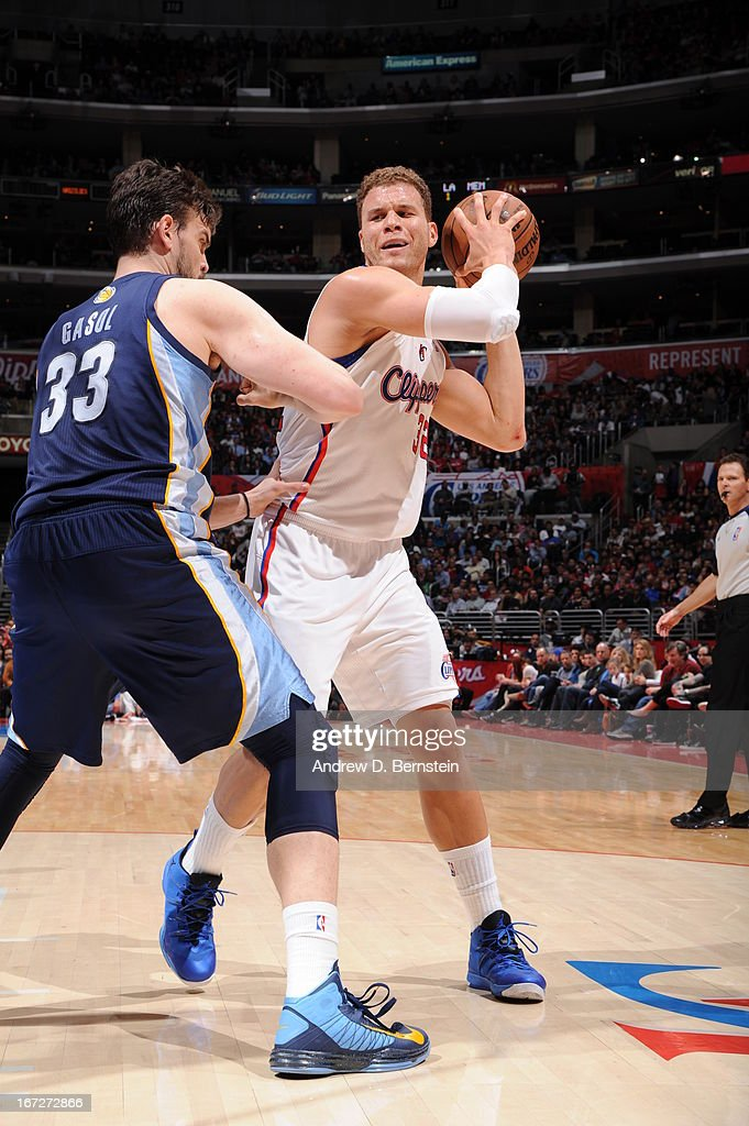 <a gi-track='captionPersonalityLinkClicked' href=/galleries/search?phrase=Blake+Griffin+-+Basketball+Player&family=editorial&specificpeople=4216010 ng-click='$event.stopPropagation()'>Blake Griffin</a> #32 of the Los Angeles Clippers looks to pass the ball against the Memphis Grizzlies at Staples Center on March 13, 2013 in Los Angeles, California.