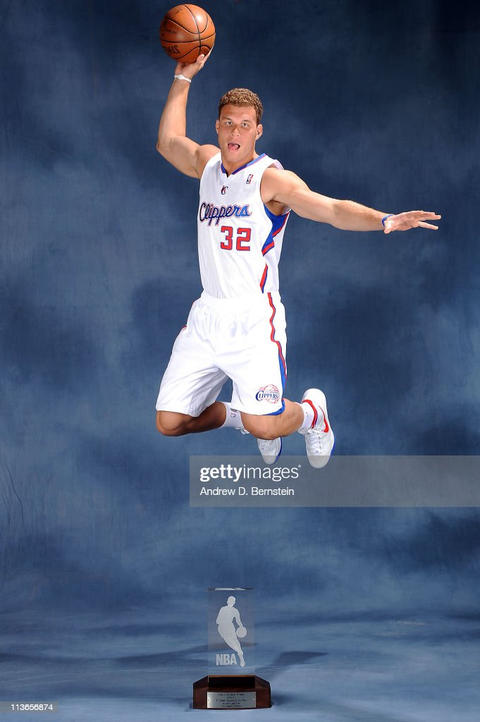 <a gi-track='captionPersonalityLinkClicked' href=/galleries/search?phrase=Blake+Griffin&family=editorial&specificpeople=4216010 ng-click='$event.stopPropagation()'>Blake Griffin</a> #32 of the Los Angeles Clippers poses for a picture with the 2010-2011 T-Mobile Rookie of the Year Award during a ceremony at the Clippers Training Center on May 4, 2011 in Playa Vista, California.
