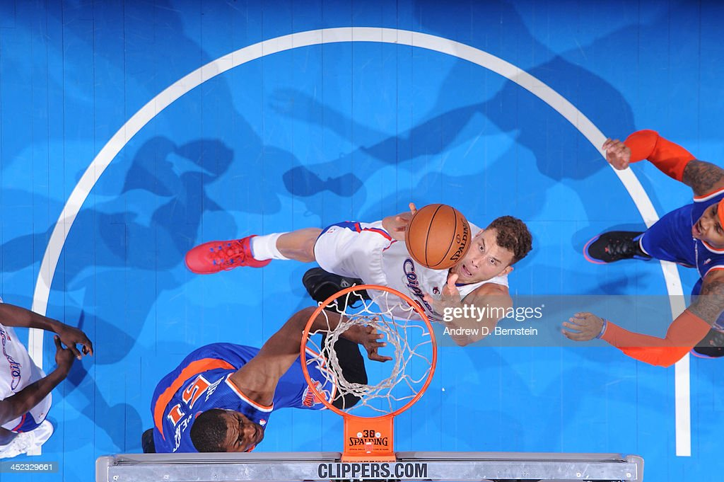 Blake Griffin #32 of the Los Angeles Clippers pulls down a rebound against the New York Knicks at Staples Center on November 27, 2013 in Los Angeles, California.