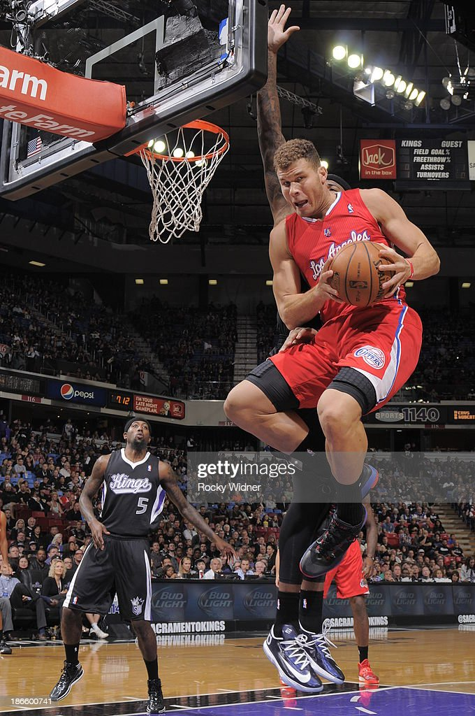 Blake Griffin #32 of the Los Angeles Clippers rebounds the ball against the Sacramento Kings at Sleep Train Arena on November 1, 2013 in Sacramento, California.