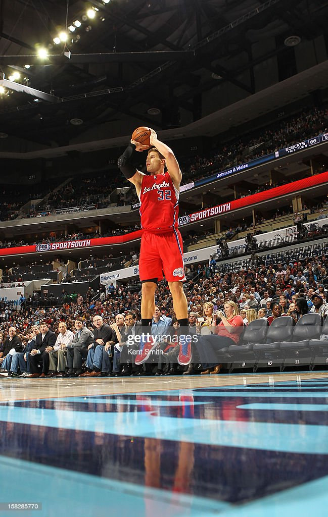 Blake Griffin #32 of the Los Angeles Clippers shoots against the Charlotte Bobcats at the Time Warner Cable Arena on December 12, 2012 in Charlotte, North Carolina.
