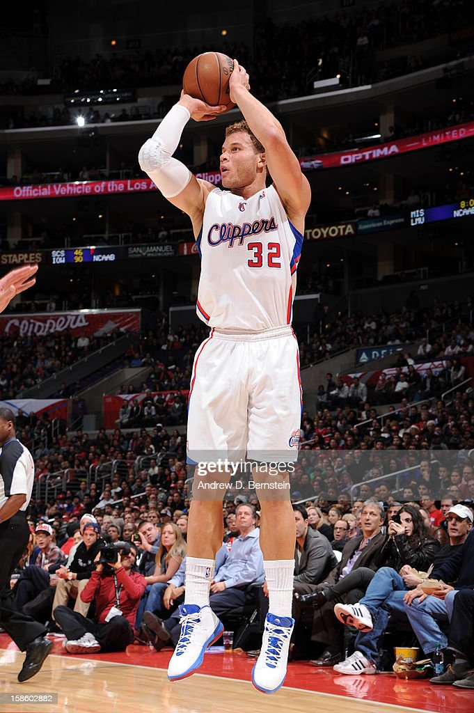 <a gi-track='captionPersonalityLinkClicked' href=/galleries/search?phrase=Blake+Griffin+-+Basketball+Player&family=editorial&specificpeople=4216010 ng-click='$event.stopPropagation()'>Blake Griffin</a> #32 of the Los Angeles Clippers shoots against the New Orleans Hornets at Staples Center on December 19, 2012 in Los Angeles, California.