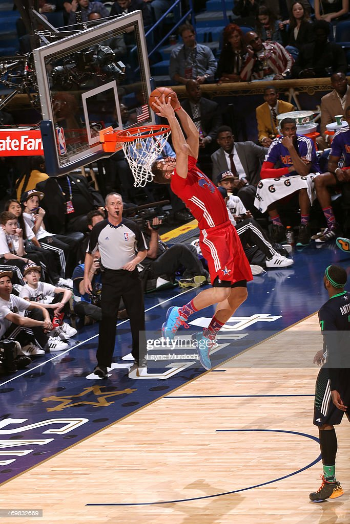 <a gi-track='captionPersonalityLinkClicked' href=/galleries/search?phrase=Blake+Griffin+-+Basketball+Player&family=editorial&specificpeople=4216010 ng-click='$event.stopPropagation()'>Blake Griffin</a> #32 of the Western Conference All-Stars dunks during the 2014 NBA All-Star Game at Smoothie King Center on February 16, 2014 in New Orleans, Louisiana.