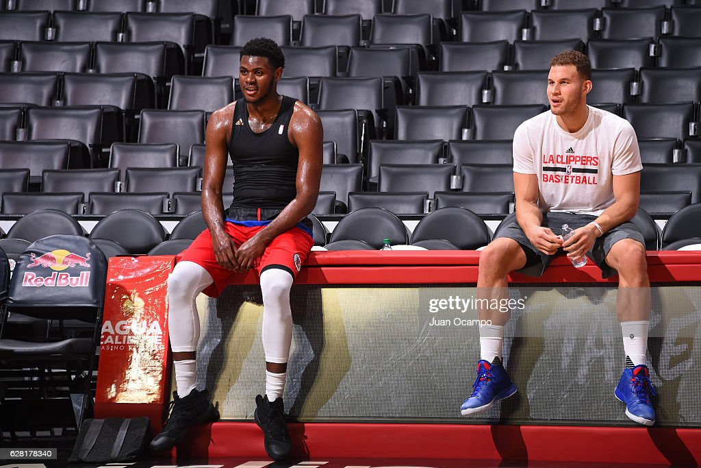 Blake Griffin #32 talk with teammate Diamond Stone #0 of the LA Clippers before the game against the Detroit Pistons on November 7, 2016 at the STAPLES Center in Los Angeles, California.