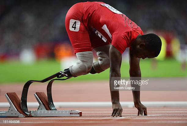 Blake Leeper of the United States lines up on the starting blocks prior to the Men's 400m T44 heats on day 9 of the London 2012 Paralympic Games at...