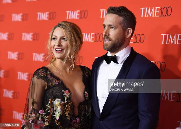 Blake Lively and Ryan Reynolds attend the 2017 Time 100 Gala at Jazz at Lincoln Center on April 25 2017 in New York City / AFP PHOTO / ANGELA WEISS