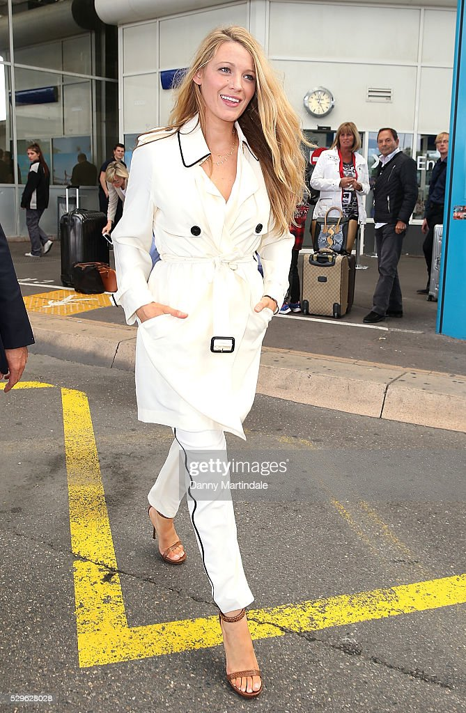 blake-lively-arrives-at-nice-airport-during-the-annual-69th-cannes-picture-id529628028