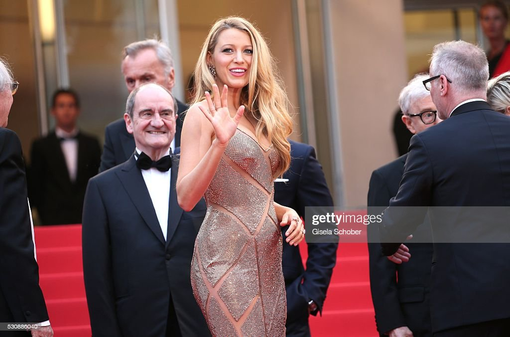 Blake Lively attends the 'Cafe Society' premiere and the Opening Night Gala during the 69th annual Cannes Film Festival at the Palais des Festivals on May 11, 2016 in Cannes, France.