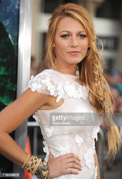 Blake Lively attends the 'Green Lantern' Los Angeles Premiere at Grauman's Chinese Theatre on June 15 2011 in Hollywood California