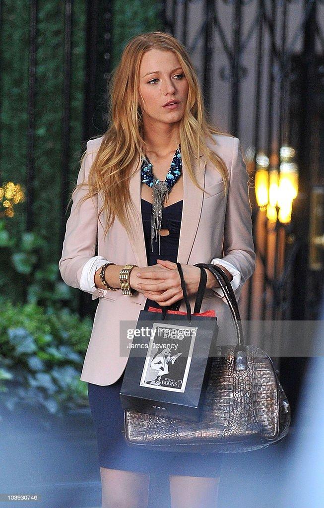 Blake Lively is seen filming on location for 'Gossip Girl' in Manhattan on September 8 2010 in New York City