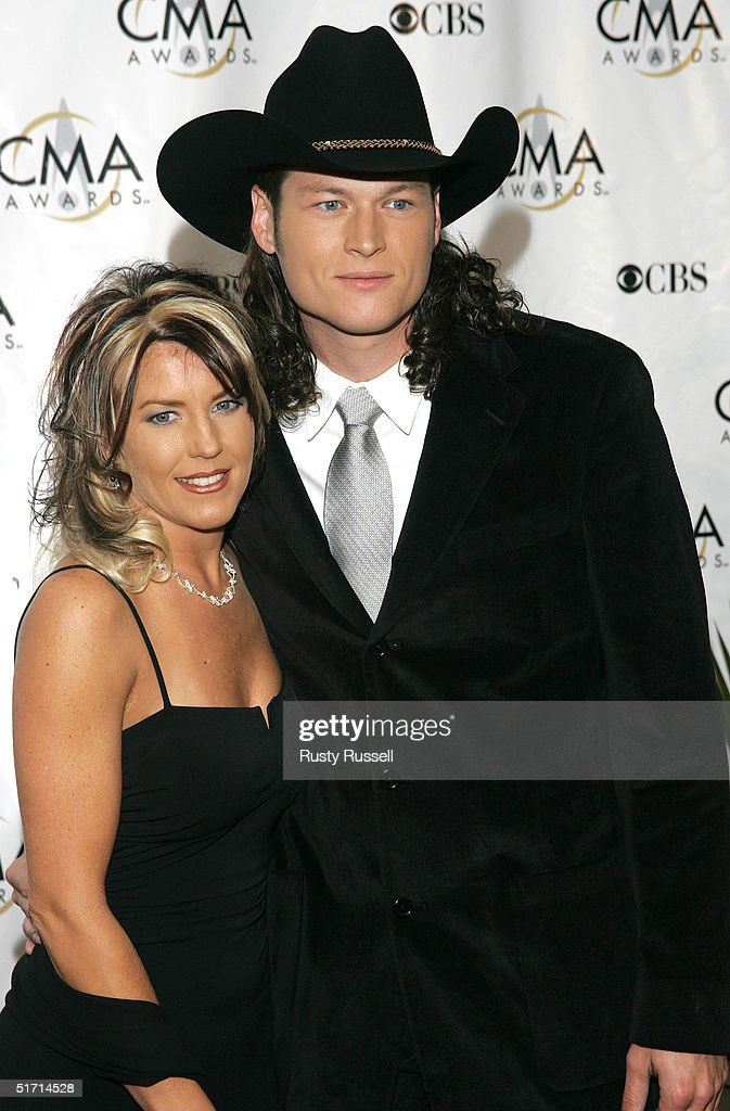 Blake Shelton and his wife Aynette Shelton arrive at the 38th Annual CMA Awards at the Grand Ole Opry House November 9, 2004 in Nashville, Tennessee.