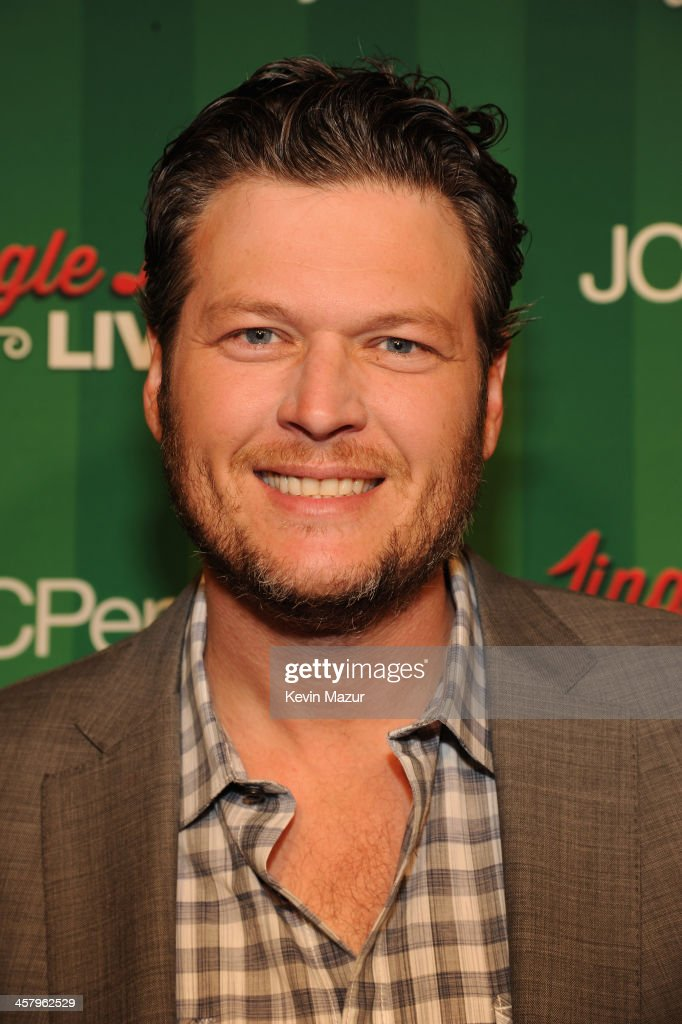 <a gi-track='captionPersonalityLinkClicked' href=/galleries/search?phrase=Blake+Shelton&family=editorial&specificpeople=2352026 ng-click='$event.stopPropagation()'>Blake Shelton</a> attends a surprise holiday event and performance with the USO Show Troupe, virtual carolers and spectacular 3D projection mapping over the Manhattan Mall courtesy of JCPenney on December 19, 2013 at Greely Square Park in New York City.