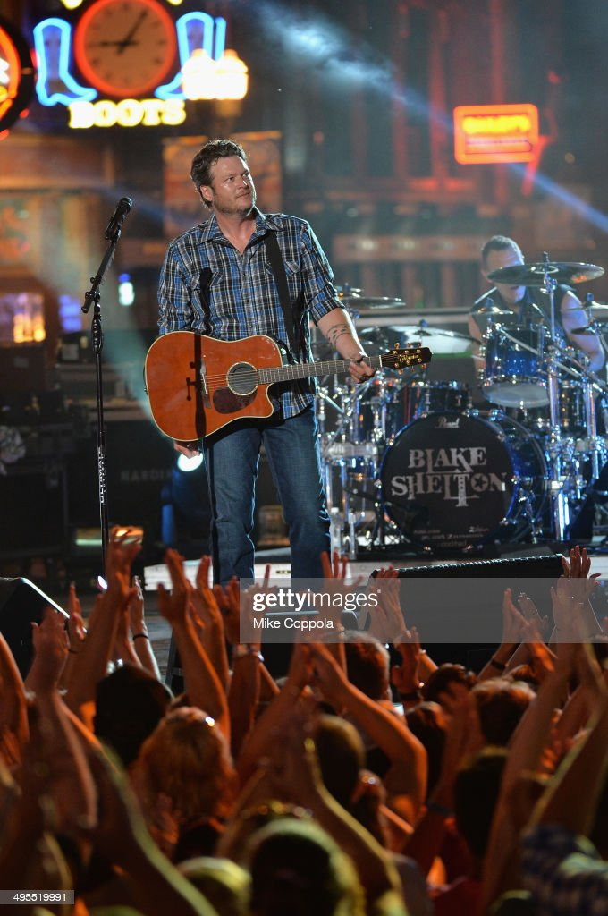 Blake Shelton performs onstage at the 2014 CMT Music Awards Rehearsals Day 2 at Bridgestone Arena on June 3, 2014 in Nashville, Tennessee.