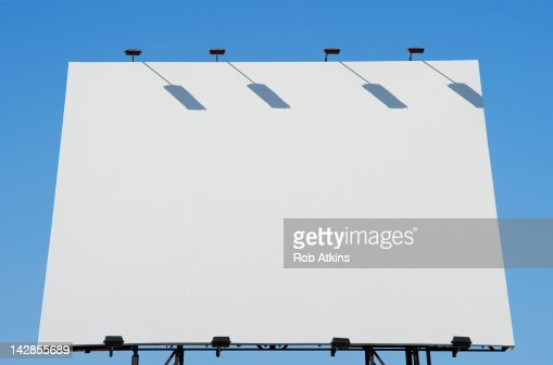 Blank billboard and blue sky : Stockfoto