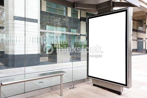 panneau daffichage vide larr t de bus photo thinkstock. Black Bedroom Furniture Sets. Home Design Ideas
