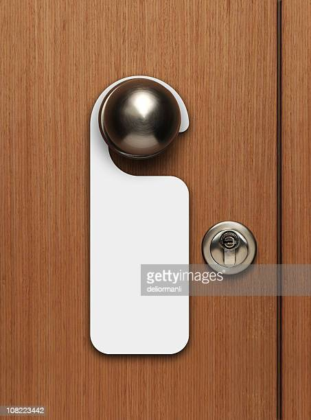 Leere Tür Zeichen hängen von knob