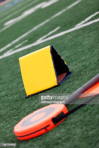 Marqueur terrain de football vide et mesurant de crosse