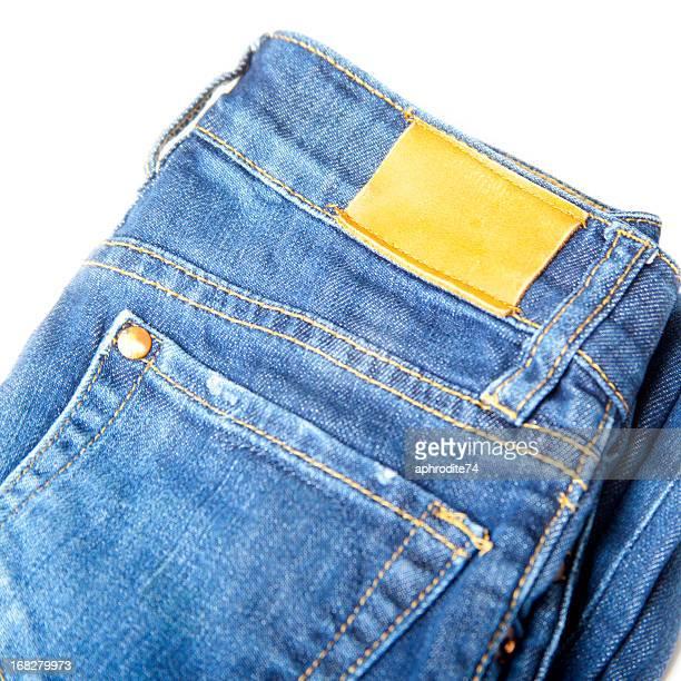 Rótulo em branco em um par de calças de ganga