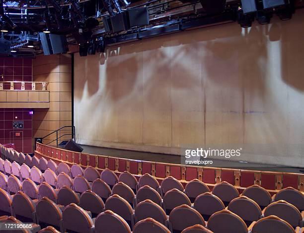 Leeren Bildschirm und Theater Sitzplätze