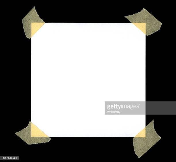 Vide blanc papier avec ruban dans les coins
