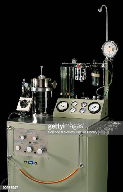 Blease pulmoflater anaesthetic ventialetion with flowmeter fluotec vaporizer Boyle�s bottle trilene vaporizer ment sphygmomanometer drip stand...