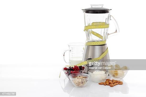 Mixeur avec des ingrédients pour préparer de remise en forme-Mètre à ruban