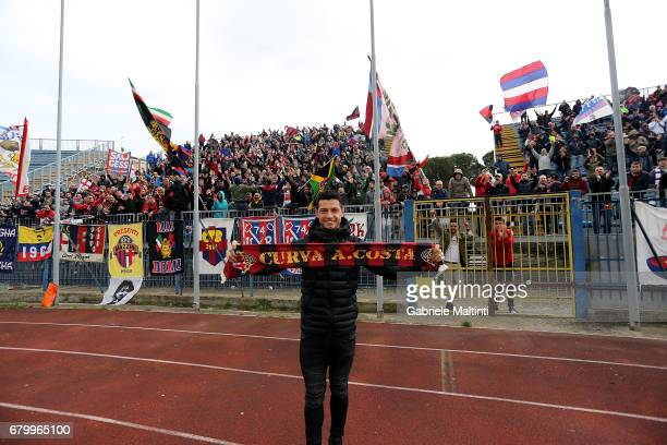 Blerim Dzemaili of Bologna Fc greets fans prior the Serie A match during the Serie A match between Empoli FC and Bologna FC at Stadio Carlo...