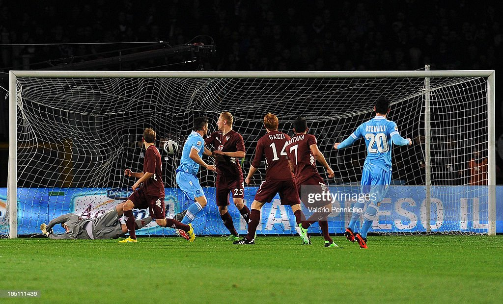 Blerim Dzemaili (R) of SSC Napoli scores the opening goal during the Serie A match between Torino FC and SSC Napoli at Stadio Olimpico di Torino on March 30, 2013 in Turin, Italy.