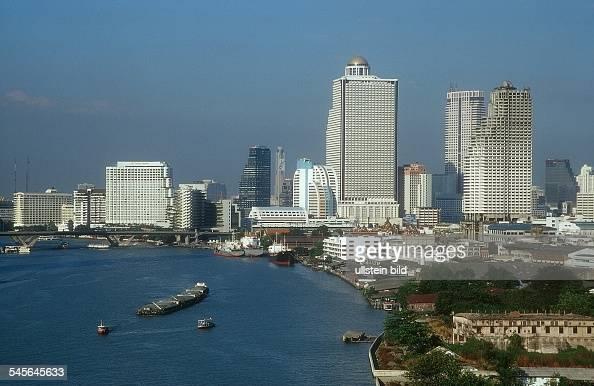 Blick auf die Skyline und den Fluß Chao Phraya 2001