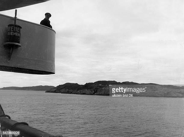 Blick von der Bremen auf die breiteBucht vor Murmansk 1939erschienen in BIZ 5/1940Aufnahme Hans Tschira