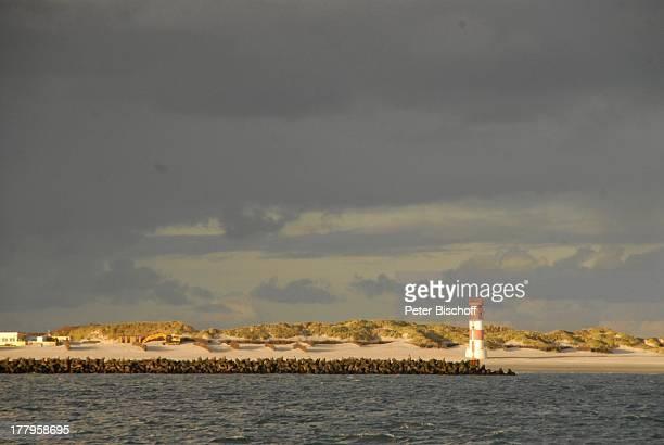 Blick von der Fähre auf Düne Insel Helgoland SchleswigHolstein Deutschland Europa Nordsee Südstrand Strand Leuchtturm Reise