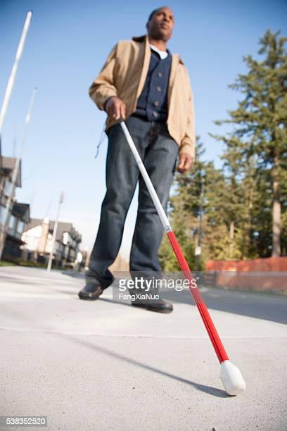 Blind man mit walking stick