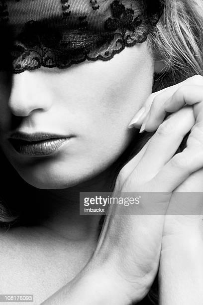 Blindfolded beauty (b/w)