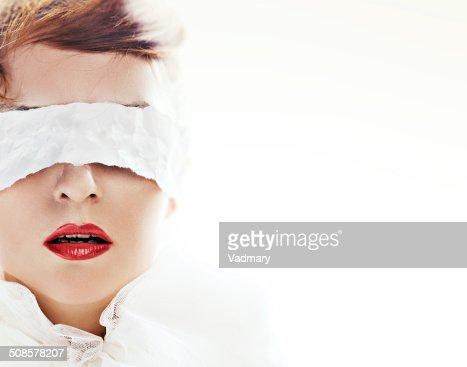 Mit verbundenen Augen : Stock-Foto