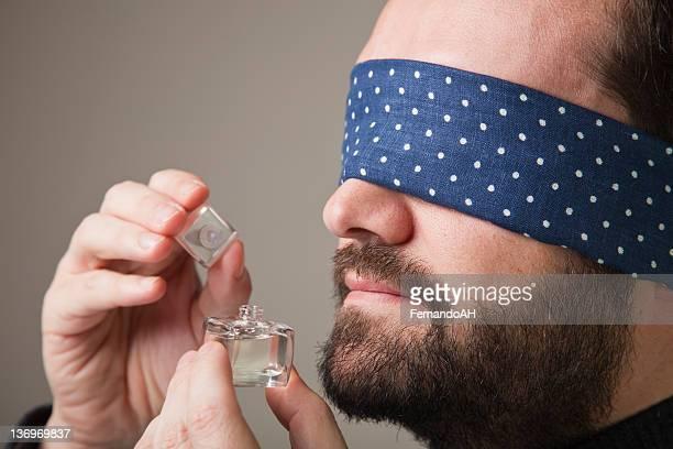 甘い香りの香水 Blinfolded 男性