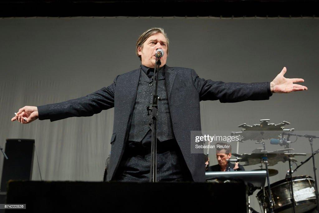 Blixa Bargeld of Einstuerzende Neubauten performs at Columbiahalle on November 14, 2017 in Berlin, Germany.