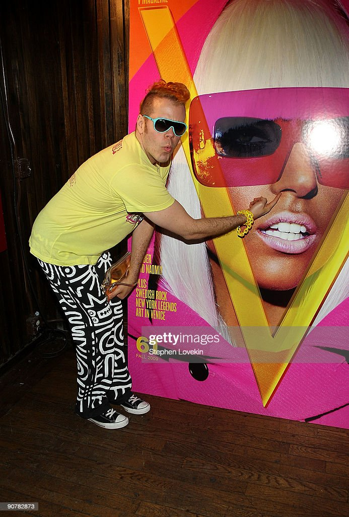 Blogger <a gi-track='captionPersonalityLinkClicked' href=/galleries/search?phrase=Perez+Hilton&family=editorial&specificpeople=598309 ng-click='$event.stopPropagation()'>Perez Hilton</a> attends Lady Gaga and the launch of V61 hosted by V Magazine, Marc Jacobs and Belvedere Vodka on September 14, 2009 in New York City.