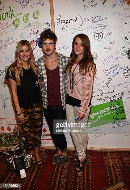 Bloggers Jennifer Grace Joey Graceffa and Jenna Ezarik attend a VIP event hotsted by ARIZONA JEAN CO in Los Angeles with Tori Kelly and Becky G at...