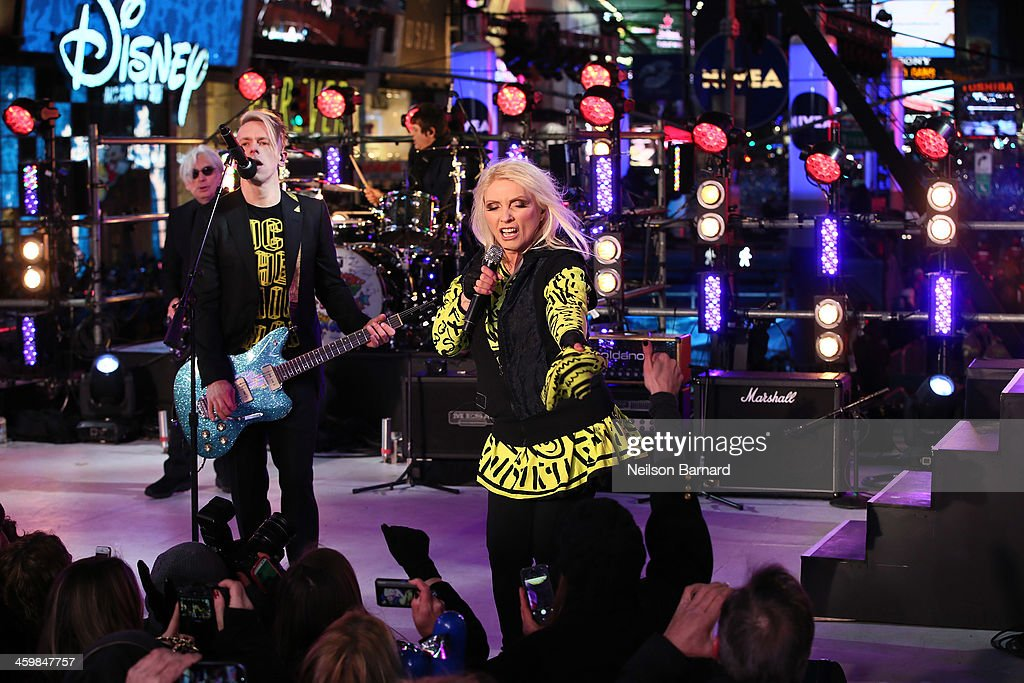 Blondie peforms on stage during The New Year's Eve 2014 Celebration in Times Square on December 31, 2013 in New York City.