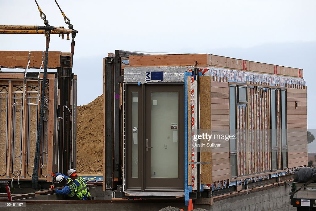 home builder specializes in green modular prefab homes
