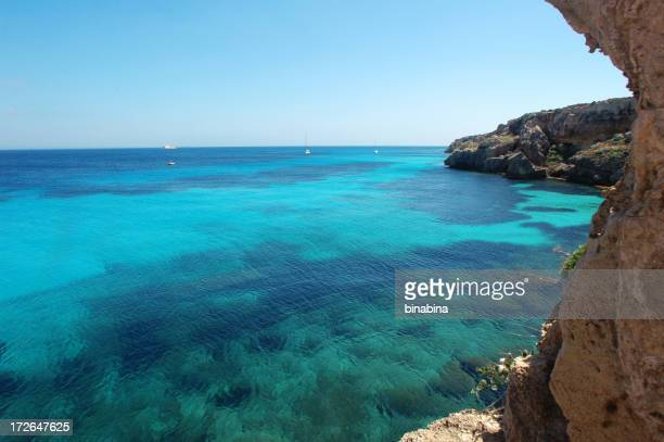 Baía de azul