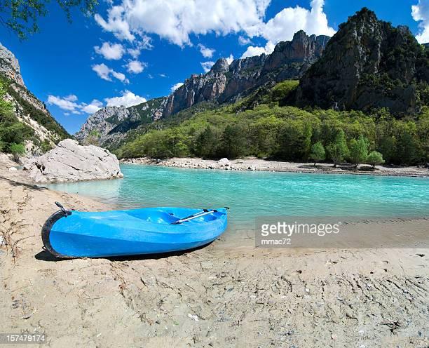 Blue Canoe on the River(XXL)
