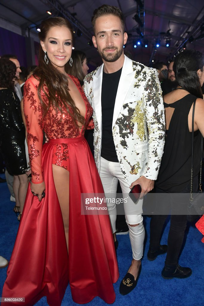 http://media.gettyimages.com/photos/blue-carpet-pictured-carolina-miranda-and-mauricio-henao-arrives-to-picture-id839203420
