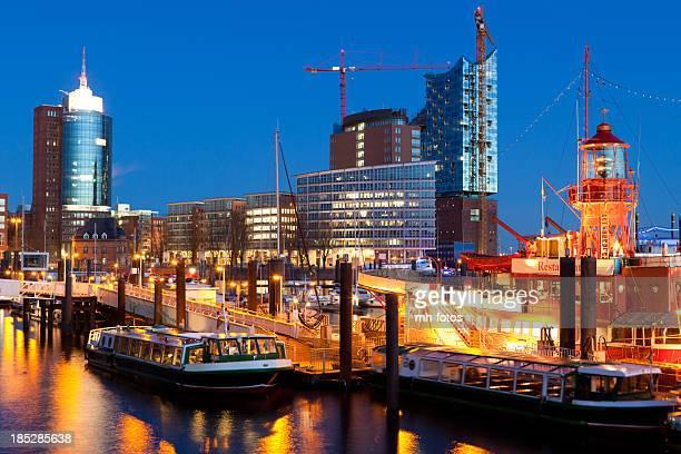 Blaue Stunde in den Hafen