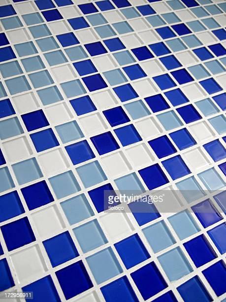 Salle de bains en carreaux de mosaïque bleu