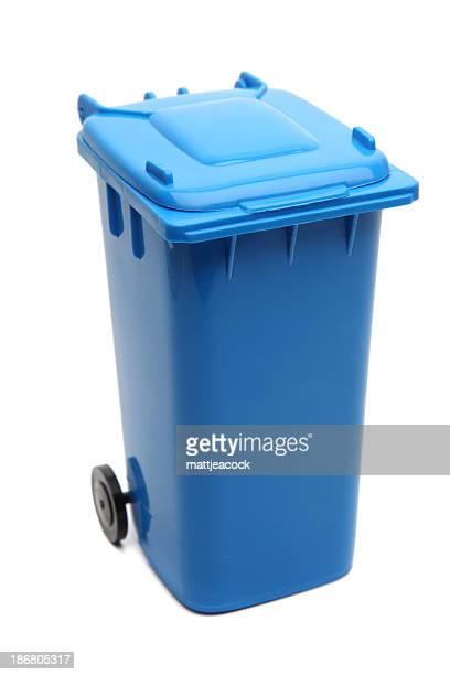 Bleu et poubelle de recyclage