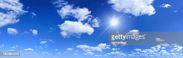 Ciel bleu et soleil-panorama