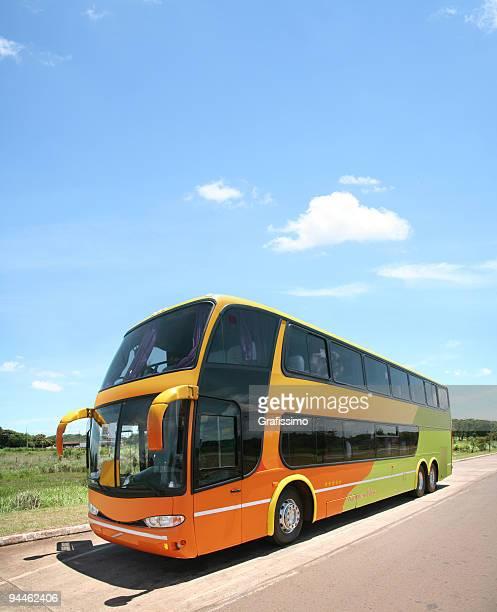 Ciel bleu de bus moderne