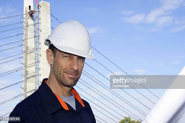 Ciel bleu Travailleur en Casque de chantier